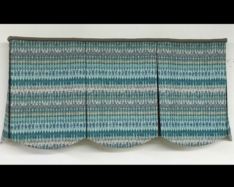 Board Mounted Scallop Valance